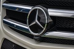 Mercedes-Benz-GL-Klasse-10