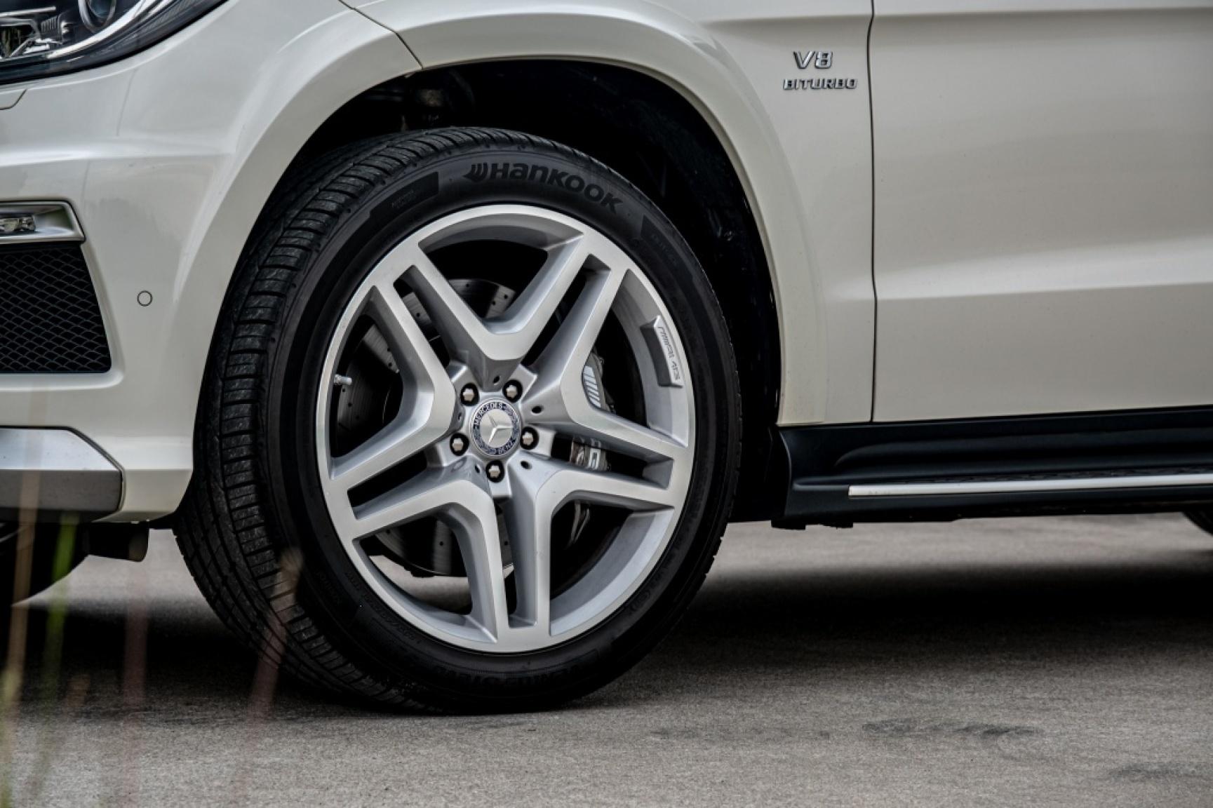 Mercedes-Benz-GL-Klasse-9