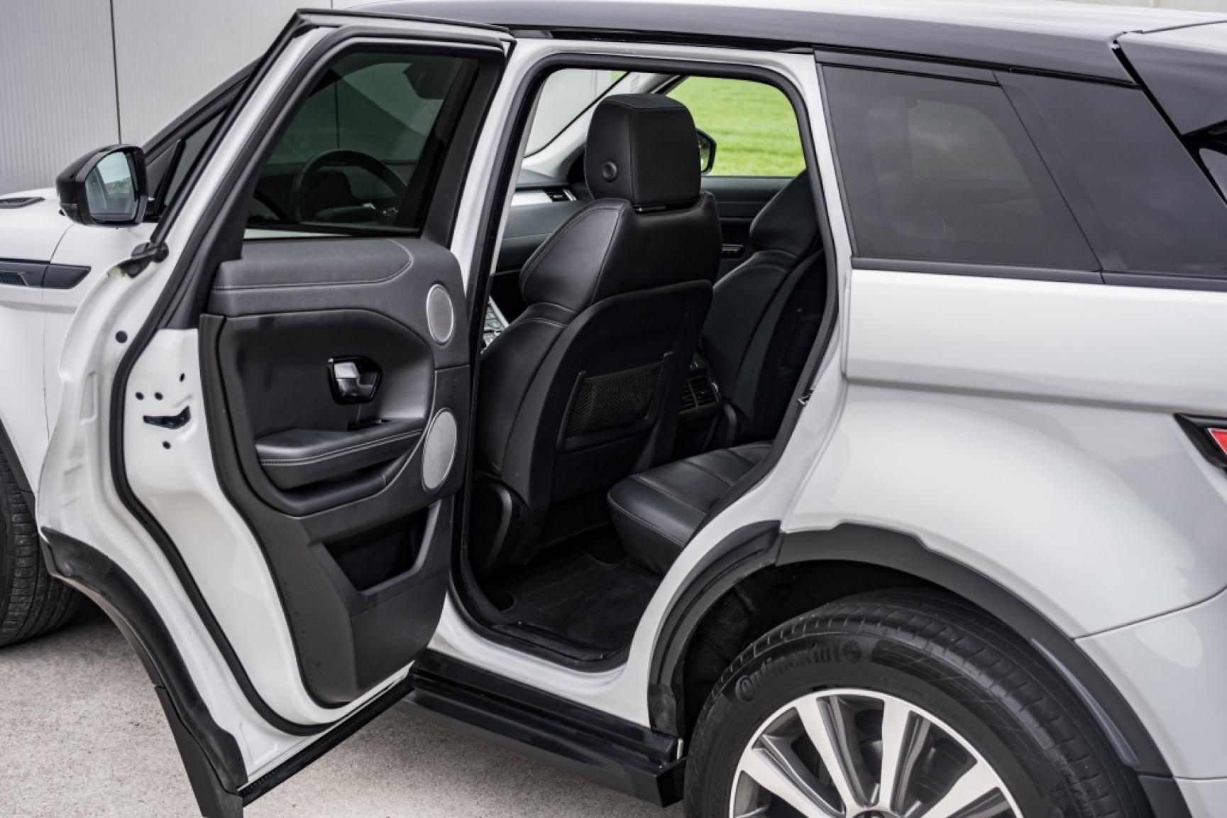 Land Rover-Range Rover Evoque-32