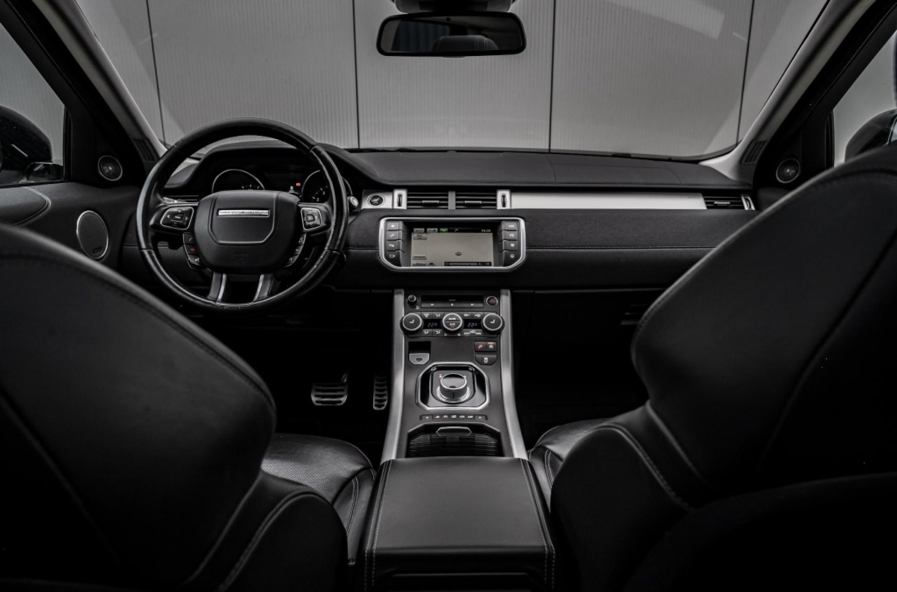Land Rover-Range Rover Evoque-1