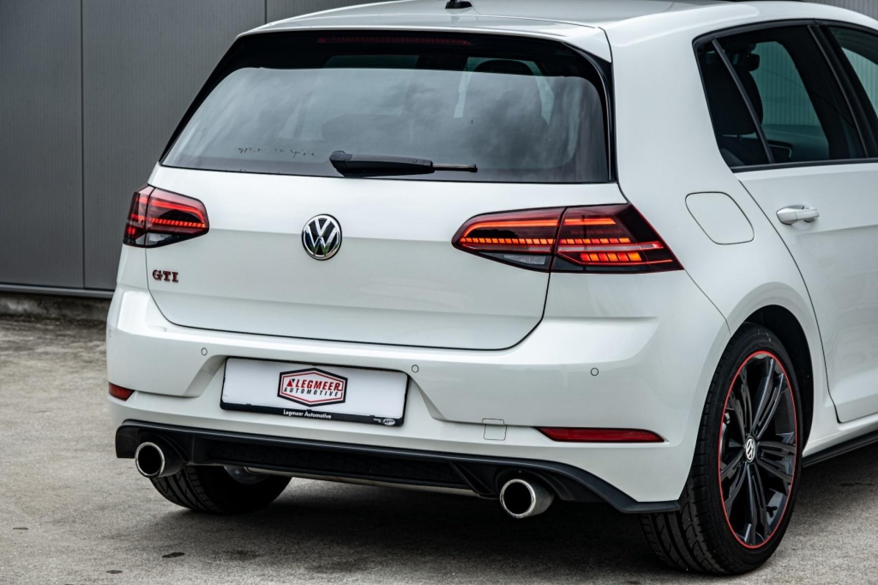 Volkswagen-Golf-43