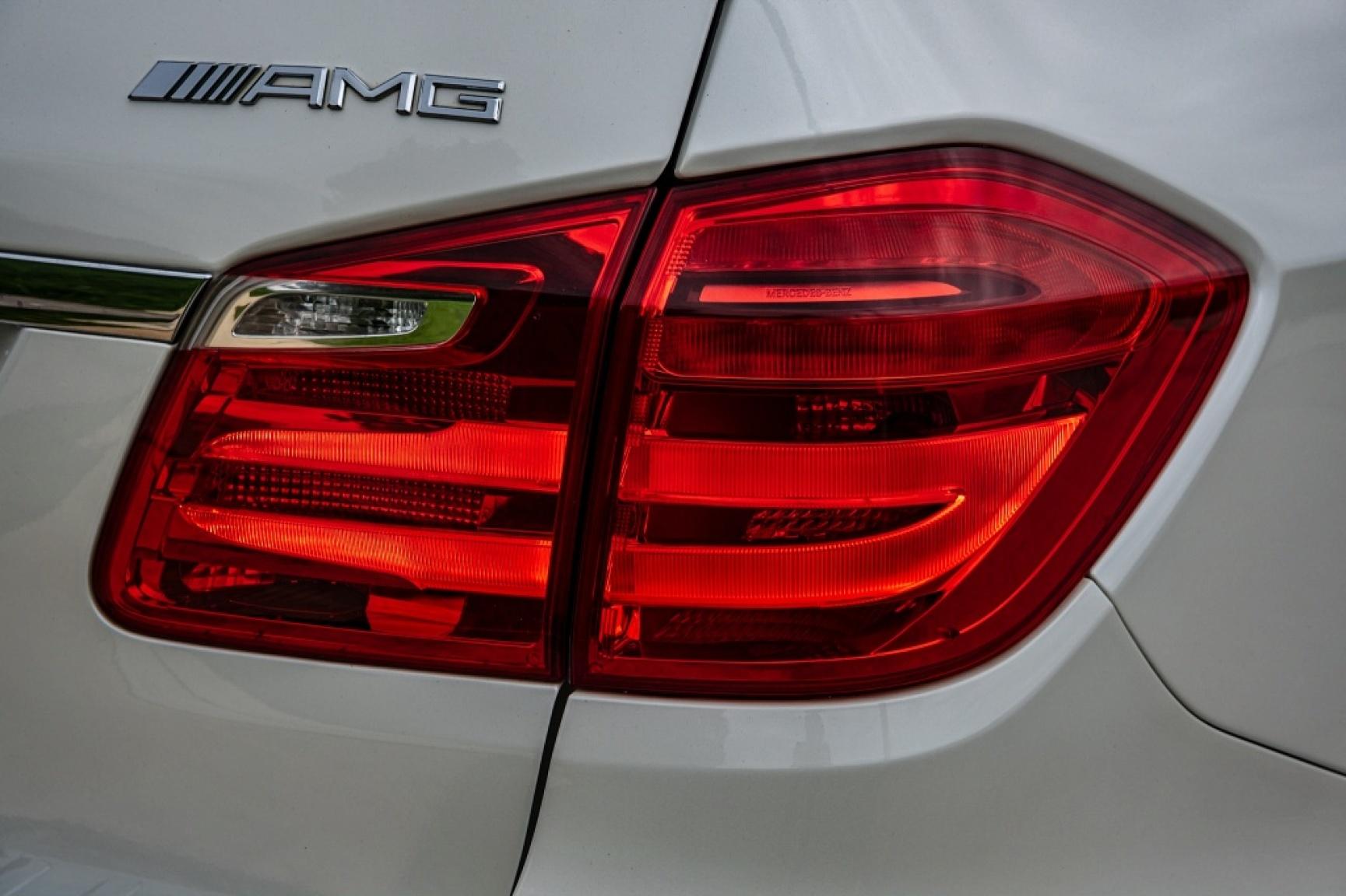 Mercedes-Benz-GL-Klasse-47